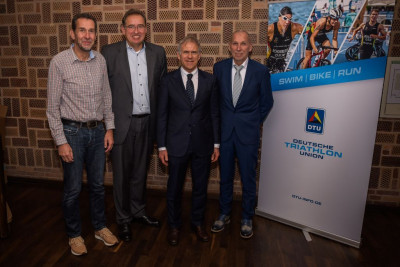 Das neu gewählte DTU-Präsidium mit Bernd Kapp, Sven Alex, Prof. Martin Engelhardt und Reinhold Häußlein (es fehlt: Bernd Rollar) (Foto: DTU/ Roman Henn)